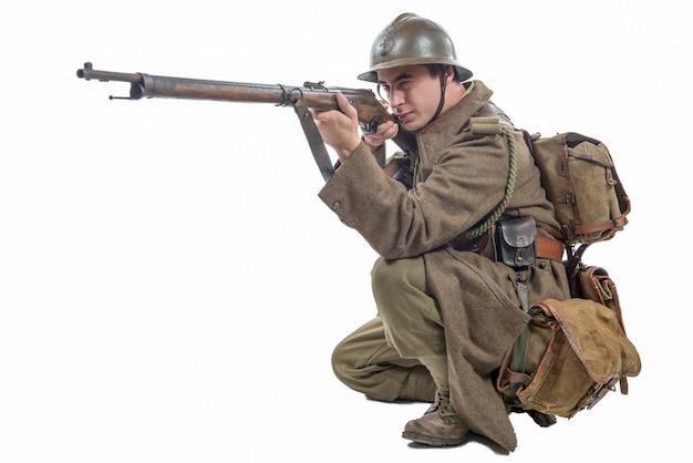 Franse soldaat 1940 geïsoleerd op wit Premium Foto