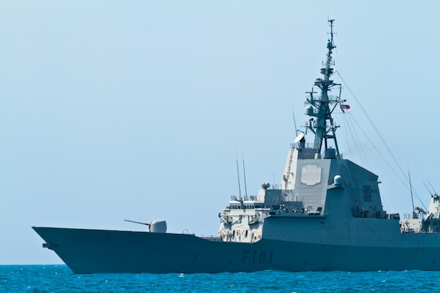 Fregat f-101 alvaro de bazan boot Premium Foto