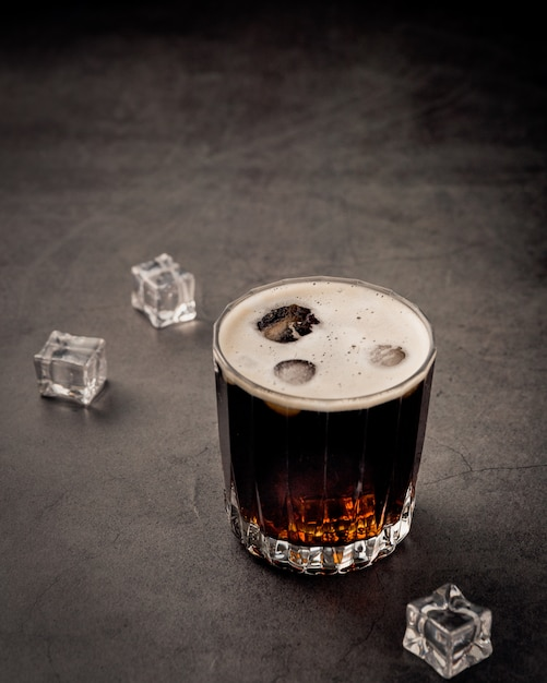 Frisdrank drank met ijsblokjes Gratis Foto