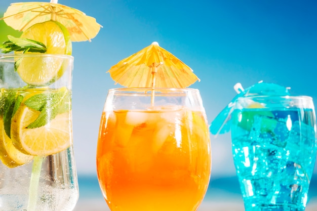 Frisoranje blauwe frisse drankjes in glazen Gratis Foto