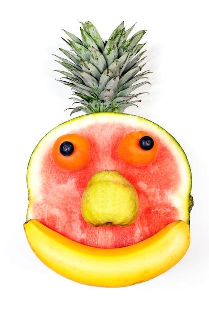 Fruit gezicht geïsoleerd op witte achtergrond Gratis Foto