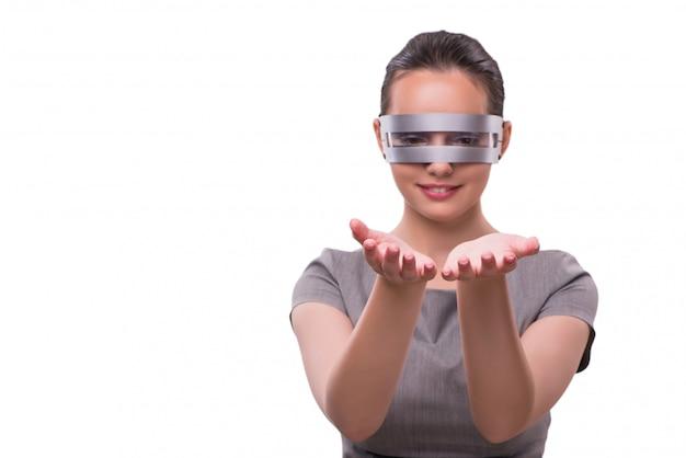 Futuristisch concept met techno cyber vrouw die op wit wordt geïsoleerd Premium Foto