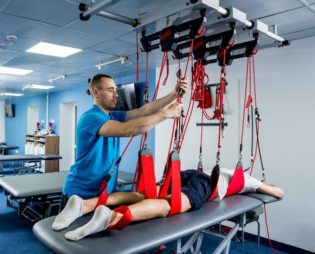 Fysiotherapie. oefentraining therapie. Premium Foto