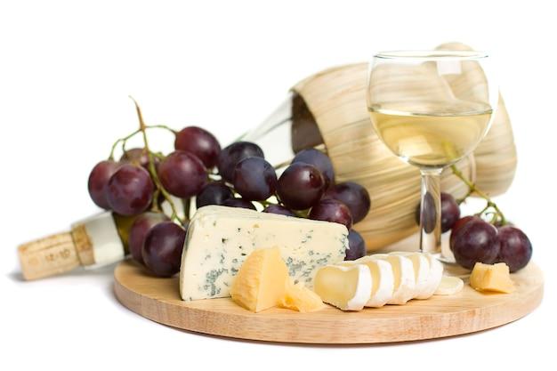 Gastronomisch eten - wijn, kaas en druiven Premium Foto