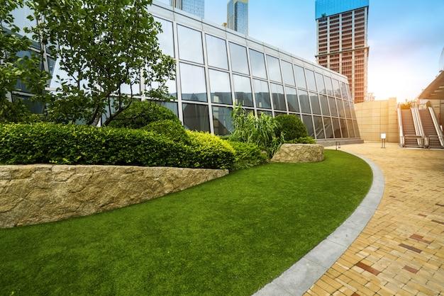 Gazon van financieel centrum, qingdao, china Premium Foto