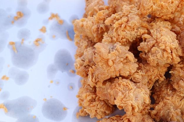 Gebakken kip bij straatvoedsel Premium Foto