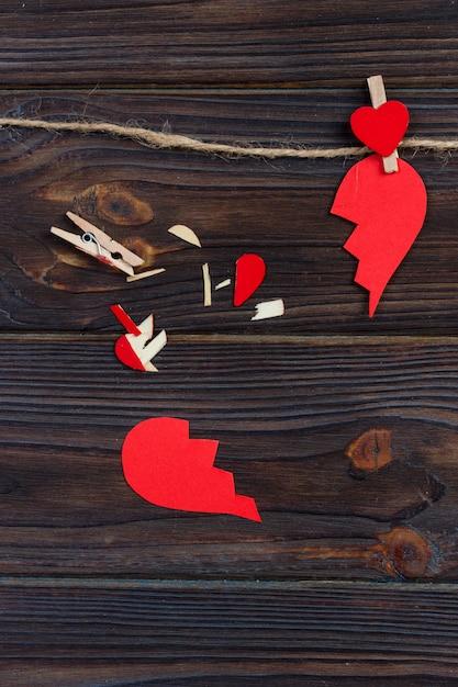 Gebroken hart uiteenvallen collectie en echtscheiding. Premium Foto