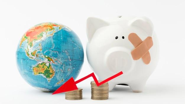 Gebroken spaarvarken wereldwijde recessie Gratis Foto