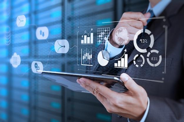 Gegevensbeheersysteem (dms) met business analytics-concept. Premium Foto