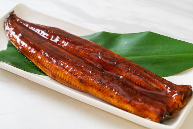 Gegrilde paling of gegrilde unagi met saus Premium Foto