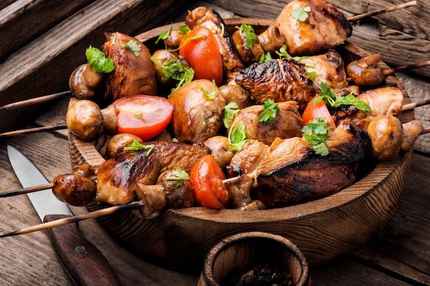 Gegrilde shish kebab of shashlik Premium Foto