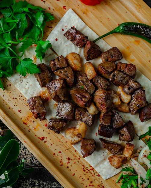 Gehakt geroosterd vlees met vet Gratis Foto