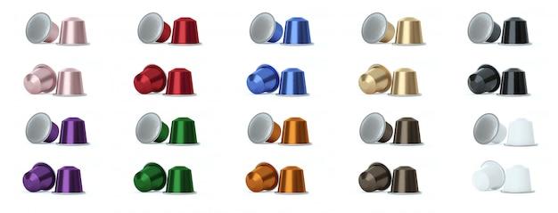 Gekleurde koffiecapsules op wit. Premium Foto
