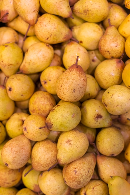 Gele peren bij de marktvoorraad Gratis Foto