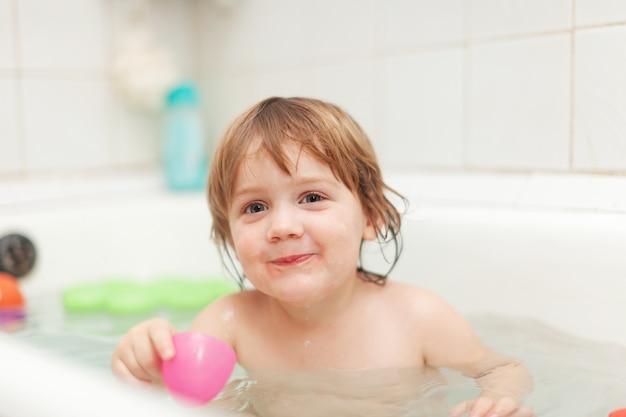 Gelukkig 2 jaar kind foto gratis download for Poppenhuis kind 2 jaar