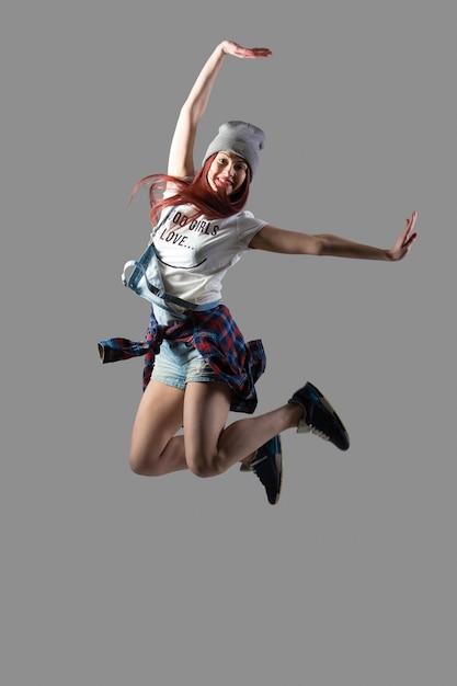 Gelukkig meisje springen Gratis Foto