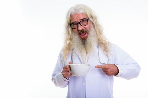 Gelukkig senior bebaarde man arts glimlachen Premium Foto