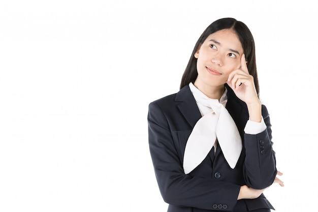 Gelukkige jonge vrouw in formele slijtage en positief denken. Premium Foto