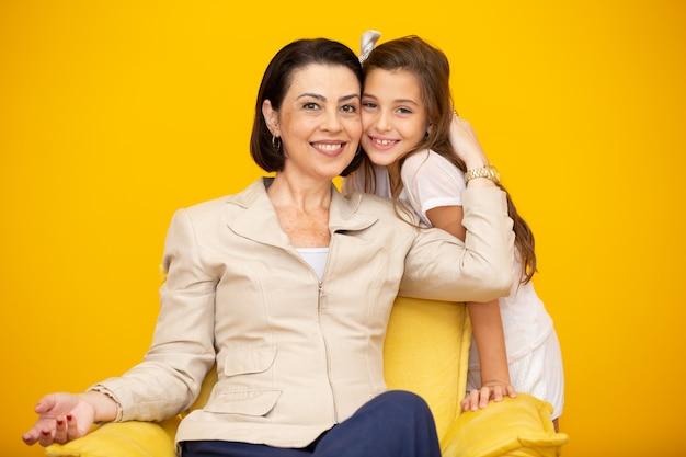 Gelukkige moeder en dochter Premium Foto