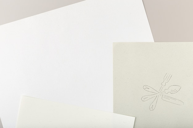 Gerecycled papier met zilverwerk tekenstempel Premium Foto