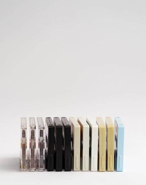 Geschikte gekleurde cassettebandjes met kopie-ruimte Gratis Foto