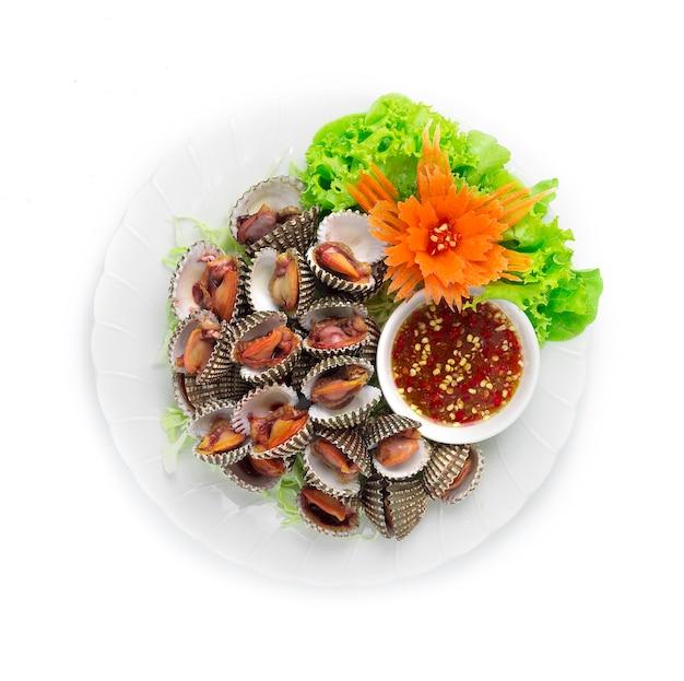 Gestoomde kokkels blancheren (verse kokkels gekookt) Premium Foto