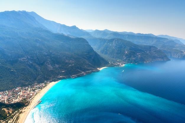 Geweldig luchtfoto van blue lagoon Premium Foto