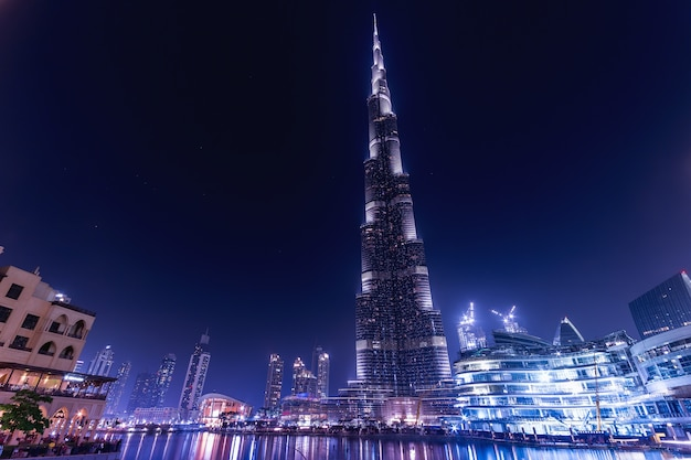Geweldige nacht dubai met burj khalifa Gratis Foto