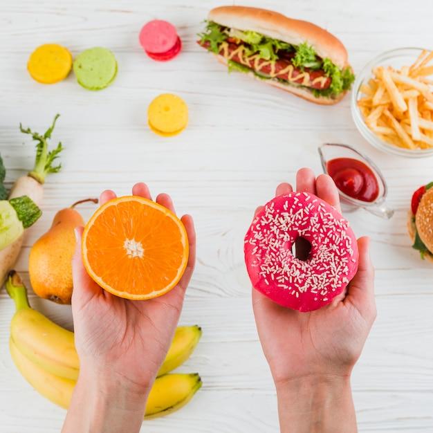 Gezond en ongezond voedsel Gratis Foto