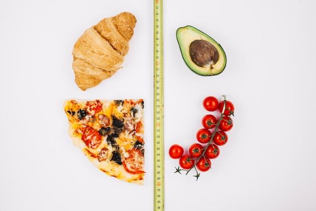 Gezond eten versus ongezond voedsel Gratis Foto