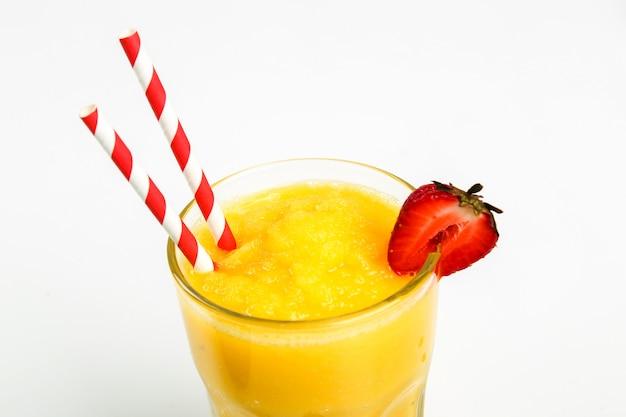 Gezond fruit smoothie met aardbeien Gratis Foto