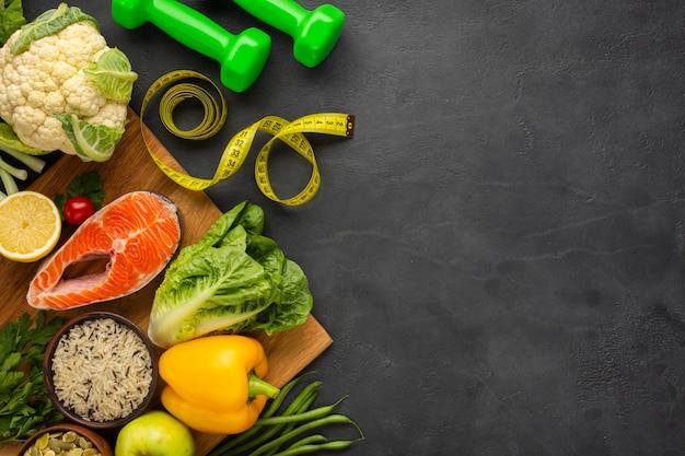 Gezond voedsel bovenaanzicht met kopie-ruimte Premium Foto