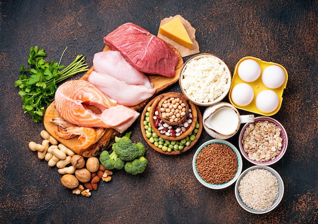 Gezond voedsel rijk aan eiwitten Premium Foto
