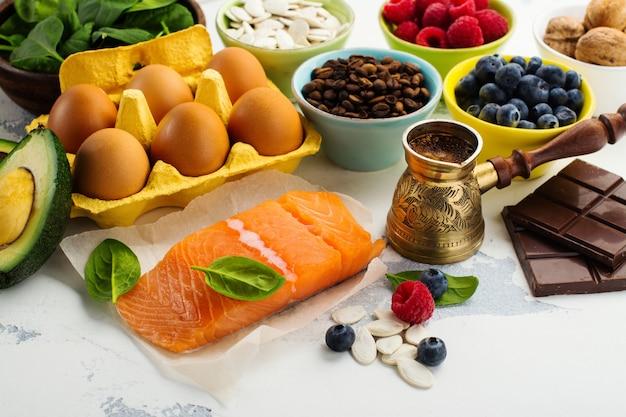 Gezond voedsel voor de hersenen en goed geheugen Premium Foto