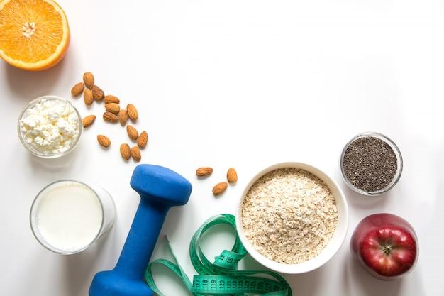 Gezonde balans voedselvoorstelling voor gewichtsverlies. Premium Foto