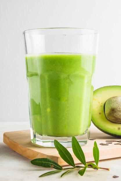 Gezonde en heerlijke groene smoothie Gratis Foto