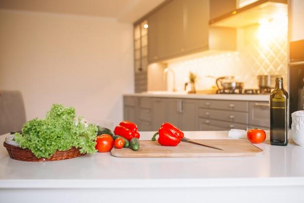 Gezonde groenten in de keuken Gratis Foto