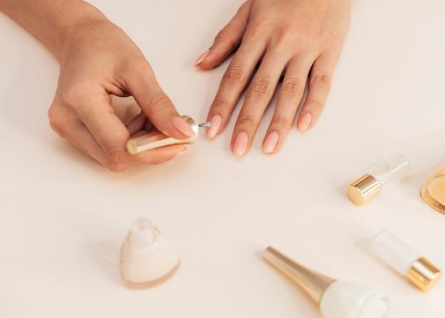 Gezonde mooie manicure en gereedschappen Gratis Foto