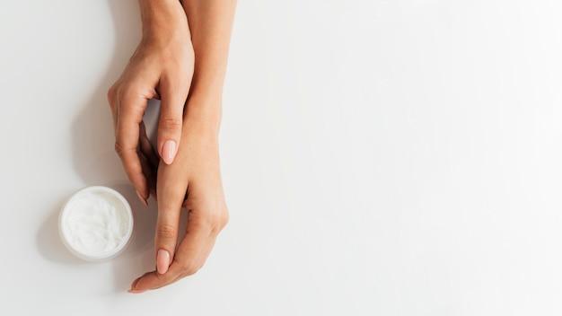 Gezonde mooie manicure met room Gratis Foto