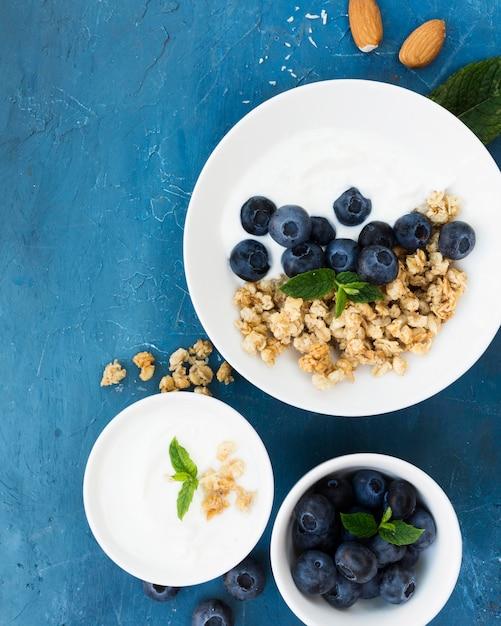 Gezonde ochtendvoedsel heerlijke bessen Gratis Foto