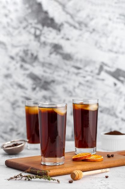 Glazen ijskoffie met vooraanzicht Gratis Foto