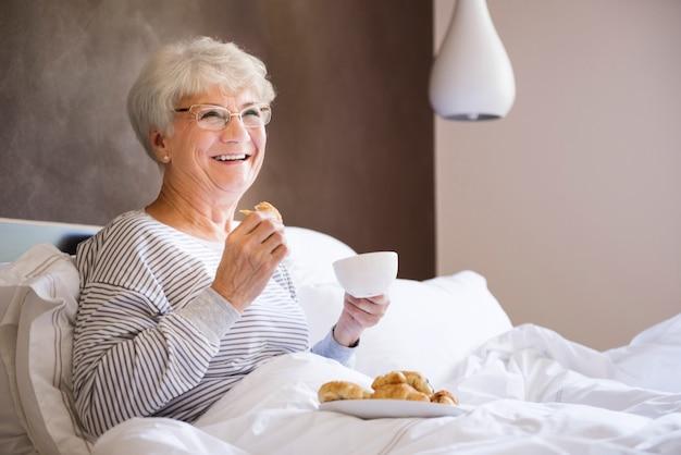 Goed ontbijt zorgt ervoor dat die dag veel beter zal zijn Gratis Foto
