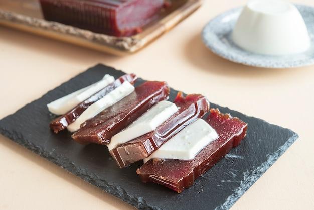 Goiabada braziliaans dessert Premium Foto
