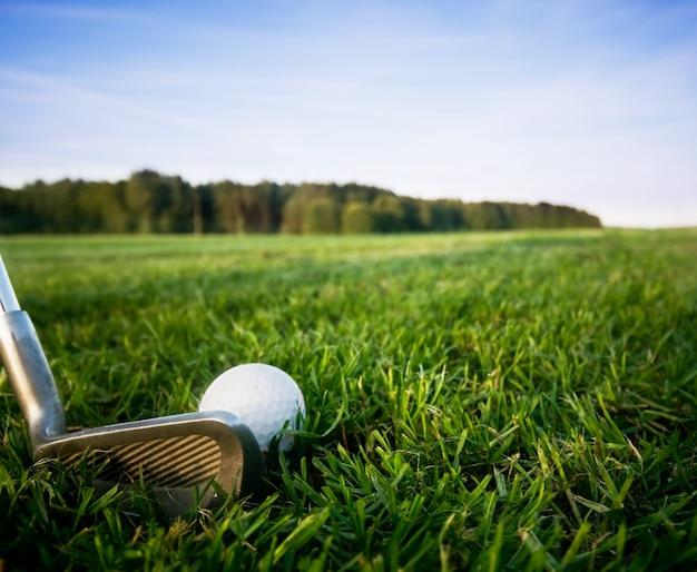 Golf club met een bal Gratis Foto