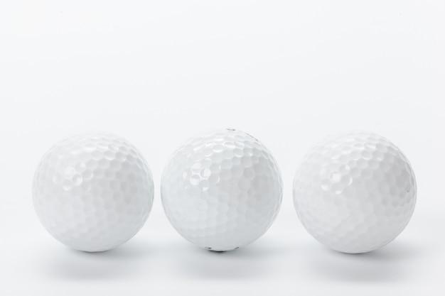 Golfmateriaal op wit wordt geïsoleerd dat Premium Foto