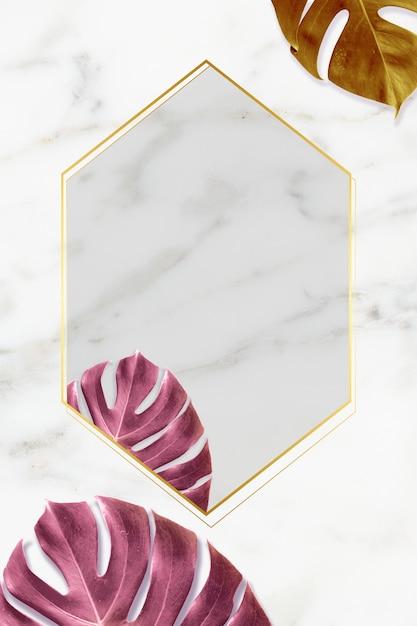 Gouden frame op marmeren achtergrond Premium Foto