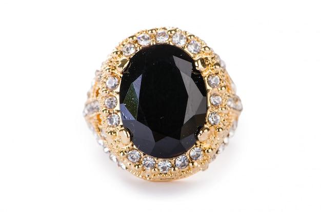 Gouden ring die op witte achtergrond wordt geïsoleerd Premium Foto