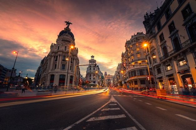 Gran via, hoofdstraat van madrid, spanje. Premium Foto