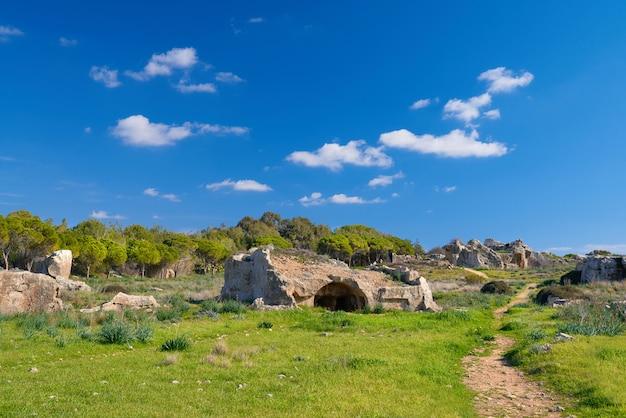 Graven van de koningen, archeologisch museum in paphos, cyprus Premium Foto