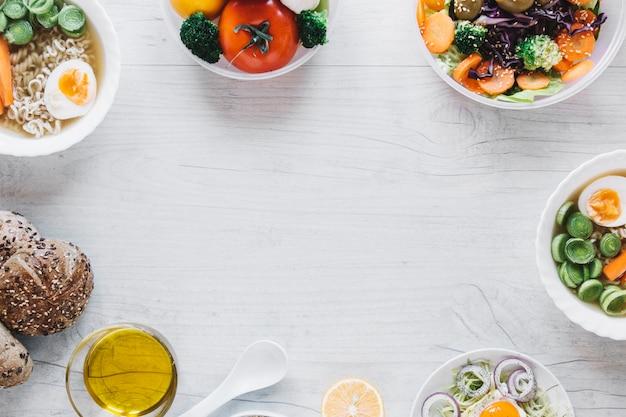 Grens van smakelijke gerechten Gratis Foto